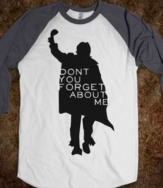 The Breakfast Club T-shirt. I say, la la la When you walk on by And you call my name Oh Simple Minds...such a mellow tune!! Love this movie