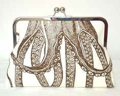Clutch Purse. Love this, found on Etsy.