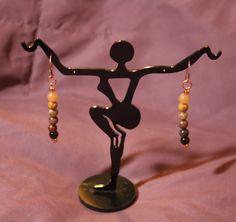 Spectrum earrings in brown semi-precious gems.