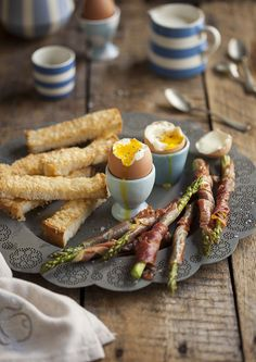 Boiled eggs with asparagus, pancetta and parmesan bread fingers on DrizzleandDip.com #recipe #breakfast