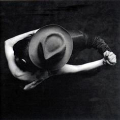 tango. photographer unknown - please provide info if possible