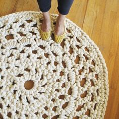 Rug crocheted with rope