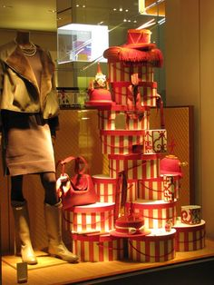 Hermes Christmas windows | Hermès window displays, Milan Hermes holiday window display ...