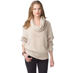Gorgeous cowl neck jumper in a wool-alpaca blend. Delicate, eye-catching pattern throughout. Regular fit in a longer styling. Elongated bottom hem. Flipped cuffs with Tommy Hilfiger logo tag on the sleeve.Inspired by NYC. A selection of luxury pieces with a refined take on prep style.Our model is 1.76m and is wearing a size S Tommy Hilfiger jumper.