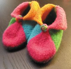 Wouldn't these knitwits Elifin booties make a great gift?