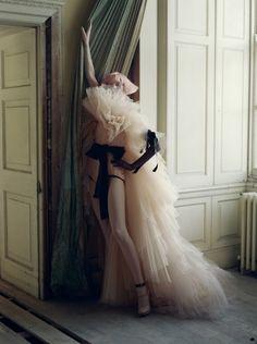 Stella Tennant, Howick Hall, Northumberland, UK, 2010 - Italian Vogue - Photography by Tim Walker. | Tags: #Photography #Photo #Fotografia #Editorial #Picture #Woman #Women #Girl #Mulher #Garota #Moda #Fashion #Female #Ensaio #Essay #Fotografico #Apparel #Roupas #Look #Accessories #Acessorios #Studio #Estudio #Vogue #Photography #Commercial #Comercial #Vestido #Dress #Dresses
