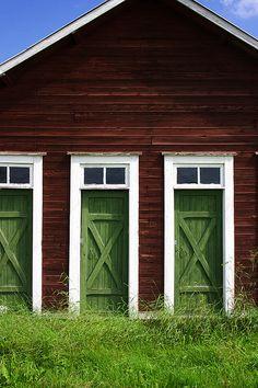 Triplets. 3 green doors. Sweden
