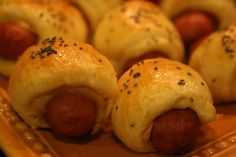 hot diggity dogs. [pigs in a blanket w. tangy dipping sauce] |