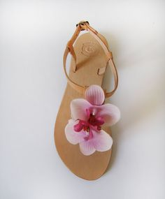 Bridal Sandals - Handmade Leather Sandals with 2 White pink orchids #sandals #marmade #summer