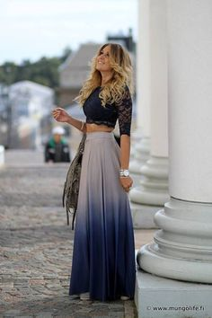 Loving this trend, and she rocks it glam? Love
