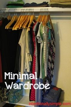 Minimal-Wardrobe