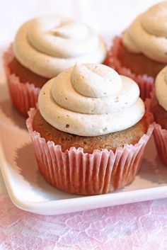 Sarah Bakes Gluten Free Treats: gluten free chai latte cupcakes