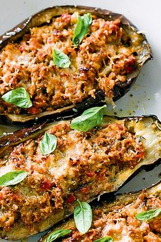 Bolognese-stuffed eggplants - low fat and low carb dinner for the cooler months http://www.taste.com.au/recipes/31857/bolognese+stuffed+eggplants