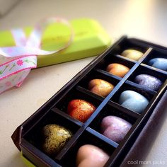 INSANELY awesome gourmet chocolates for Mother's Day with flavors like German Chocolate Cake, Peach Cobbler, and Coffee Cake.