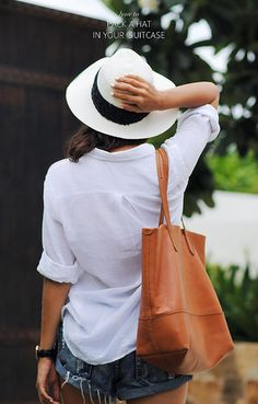 HOW TO: PACK A HAT IN YOUR SUITCASE. A step by step how to article on safest way to do it by www.apairandasparediy.com