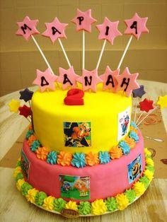 "Super Momma ""Βαλσαμη Ευα"" sent us this really fun GB cake. Great job!!!  #GBbirthday"