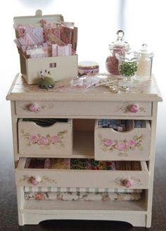 ... Mini-armario hermosa Uña de Suministro de costura!