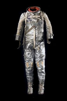 Alan Shepard wore this spacesuit when he became the first American in space on May 5, 1961. thing space, final frontier, historian apprentic, fascin histori