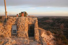 Cabin on the rim at Palo Duro Canyon