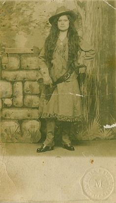 Google Image Result for http://www.thespiritoftheoldwest.com/NewImages/Postcard-Cowgirl-500.JPG