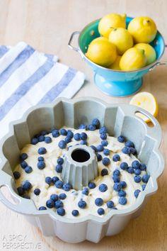 Making Blueberry Muffin Cake #blueberry #summer #cake #bundtcake #blueberrymuffin