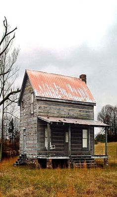 Old log home...love to hear about the family that once lived here...