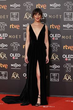 Black gala dress Goy