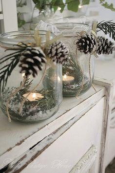 DIY Christmas centerpiece. Mason jar, greenery, pine cones