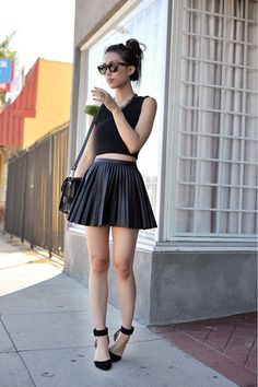 #Black #pleated #skirt in the summer by Jenny Ong.