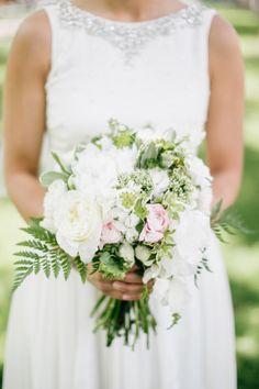 White nautical bouquet: http://www.stylemepretty.com/pennsylvania-weddings/philadelphia/2014/09/29/modern-nautical-philadelphia-wedding/ | Photography: Emily Wren - http://emilywrenweddings.com/