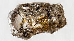 Tiny diamond impurity reveals water riches of deep Earth http://www.nature.com/news/tiny-diamond-impurity-reveals-water-riches-of-deep-earth-1.14862