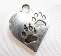 Paw prints heart