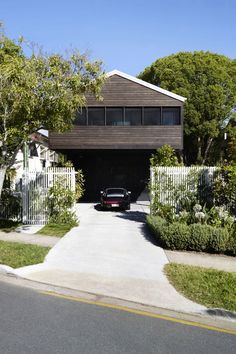 Oxlade drive home by james russell architect
