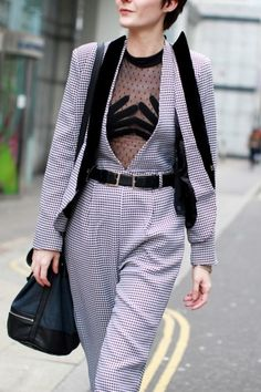 #lfw street style - very intricately placed hands, huh? #crazystyle
