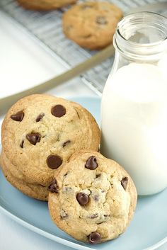 Vanilla Pudding Chocolate Chip Cookies...I'm going to try these!
