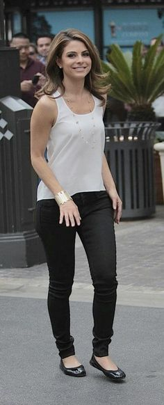 Maria Menounos wears her Yosi Samra black patent flats on the set of Extra in LA.