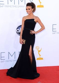 Giuliana Rancic arrives at the 64th Primetime #Emmy Awards. #TV #Emmys