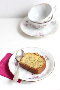 Lemon drizzle cake au pavot | Gourmandiseries - Blog de recettes de cuisine simples et gourmandes