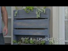 INSTRUCTIONS Building a Vertical Pallet Garden (2.13)