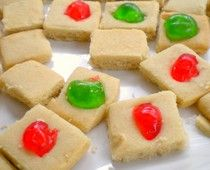 buttery shortbread w/or w/o candied cherries