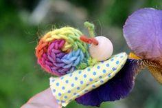 snails, craft, crochet, fingers, slak, handwork, finger knitting, kid, finger puppets