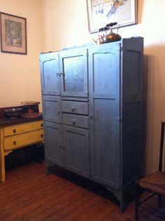 Shabby kitchen dresser hutch pantry on pinterest for Perfect kitchen equipment