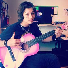 Leo Howard, he is handsome don't you think!