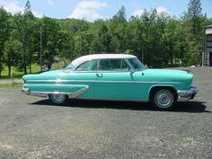 1955 Lincoln Capri Hardtop // Have not seen one of these in a while.