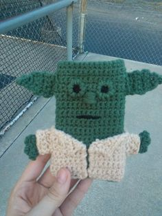 Crochet yoda cell phone case I made! I know wrong color green but I'm happy with it :-)