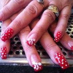 Red & white bow nails