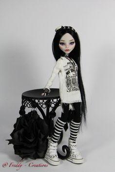 OOAK Monster High Repaint Reroot Raven Full Dress Set by Freddy Tan | eBay dear dolli, freddi tan, high repaint, monster high dress, monster high doll reroot, dresses, ebay, full dress, doll repaint