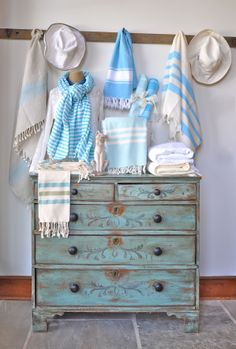 Turquoise With Heavy Shabby To Show Wood