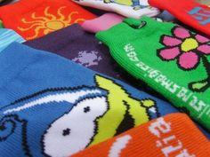 Fundas tejidas para celular con tu marca y logotipo. Pulseras MAGISA