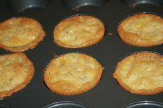 Low Carb Bacon, egg and CHEESE muffins (i dunno how low carb they are, but may have to check it out)